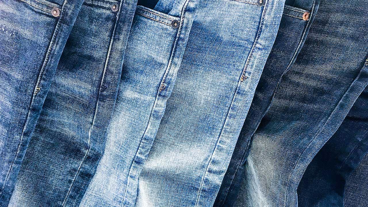 هنگام خرید شلوار جین زنانه چه نکاتی را باید رعایت کنیم؟