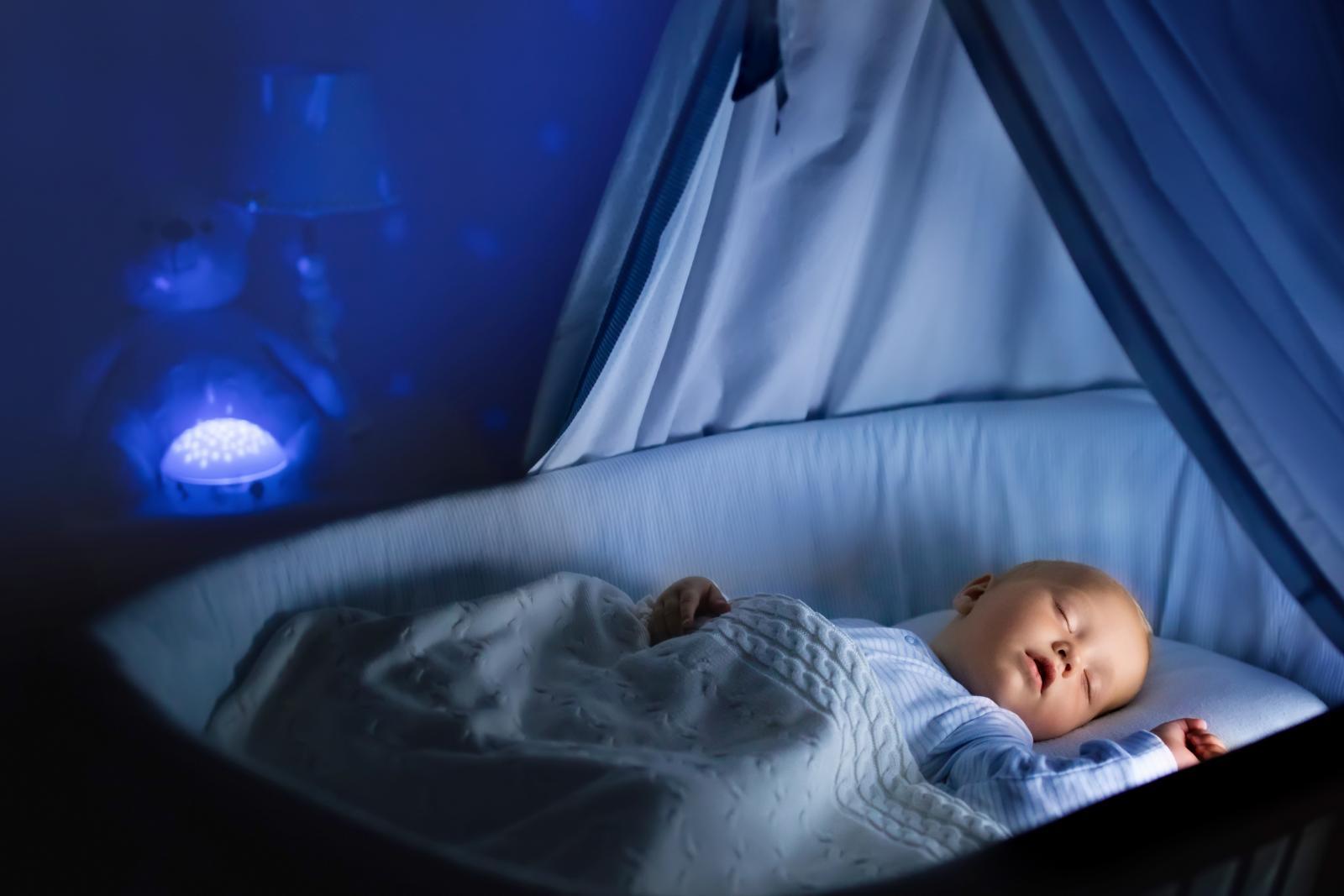 هنگام خرید چراغ خواب کودک چه نکاتی را باید رعایت کنیم؟