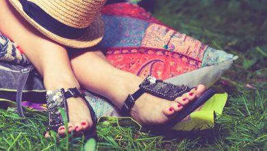 تصویر راهنمای خرید و معرفی ۲۳ صندل دخترانه شیک و جذاب با قیمت روز