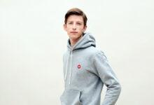 تصویر هودی پسرانه: معرفی بهترین هودی برای پسرها با خرید اینترنتی